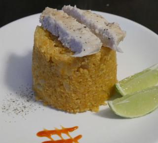 Quinoa Hähnchen Curry mit Kokosnuss und Ananas