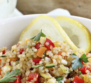 Quinoa Superfood Tabouleh mit Zitronendressing